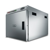 OVEN FOR SLOW COOKING AND MAINTENANCE